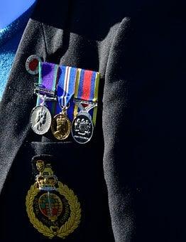 obtenir la médaille de l'ordre national du Mérite